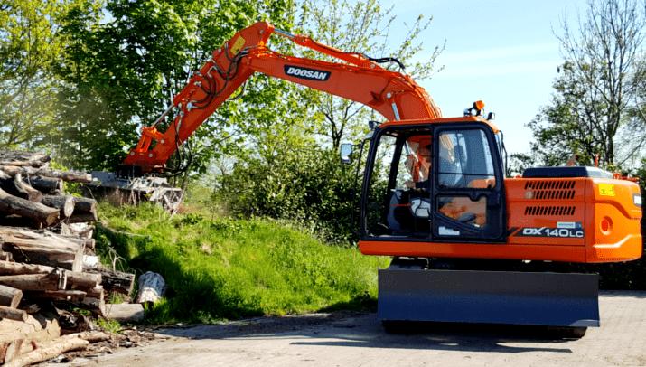 Hölscher GmbH – DOOSAN DX140LC mit Schnellwechsler